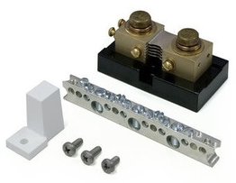 500 Amp 50mV DC current shunt with attached terminal bus bar and one white insulator